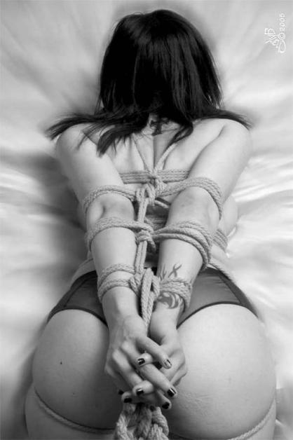 242-bondage_fba-32